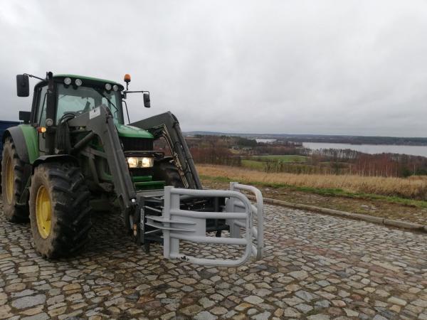 ciągnik rolniczy 4